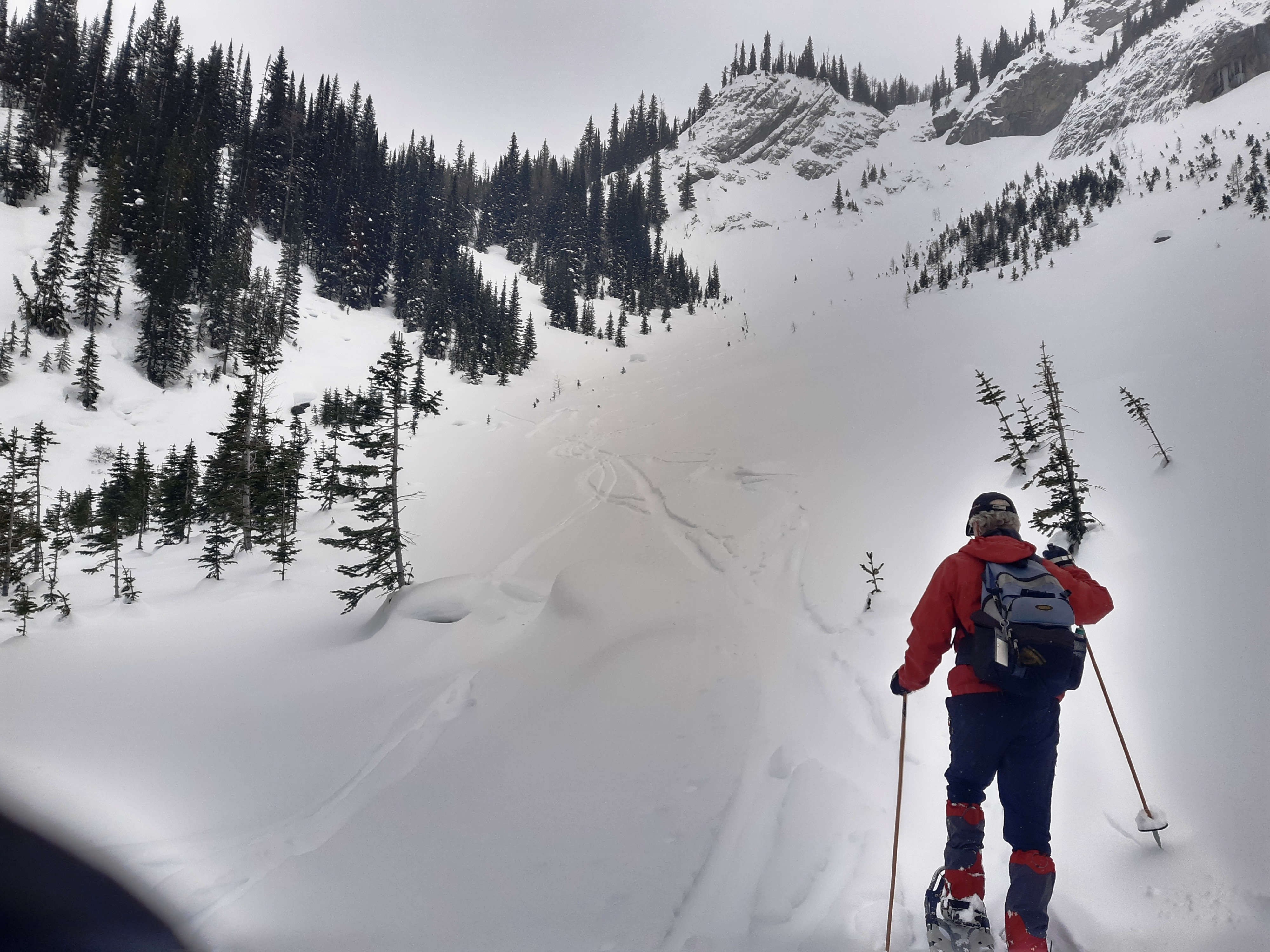 5-Lee-leading-the-way-up-Trying-to-stay-on-a-skiers-down-track