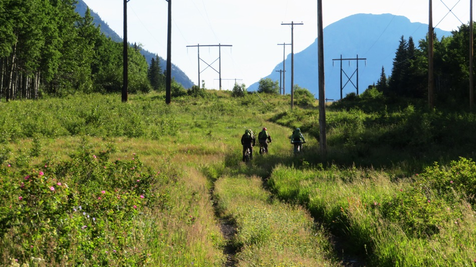 7683-cycling-the-6-km-along-the-power-line