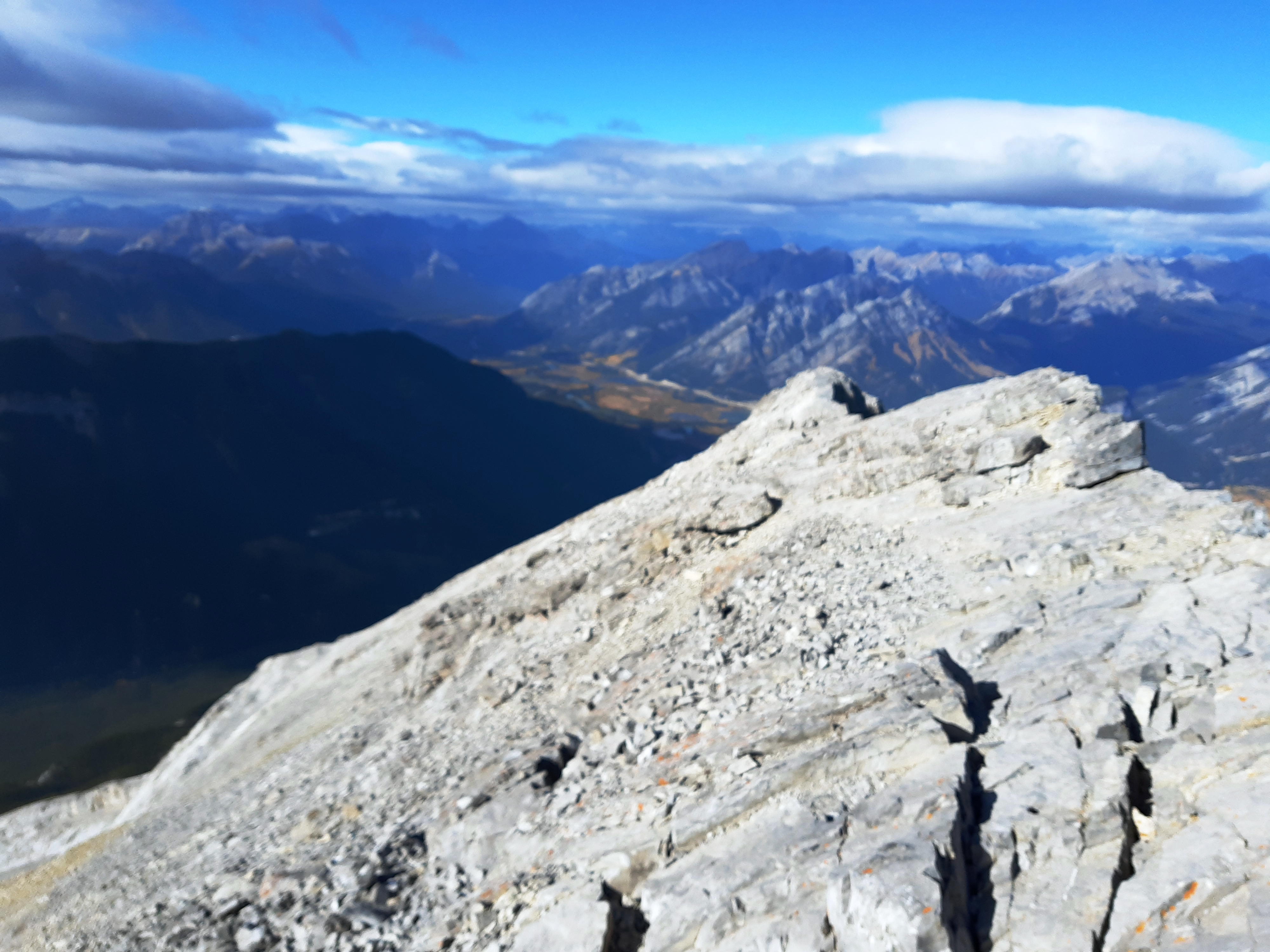 10-Looking-back-at-the-last-ridge-to-the-summit