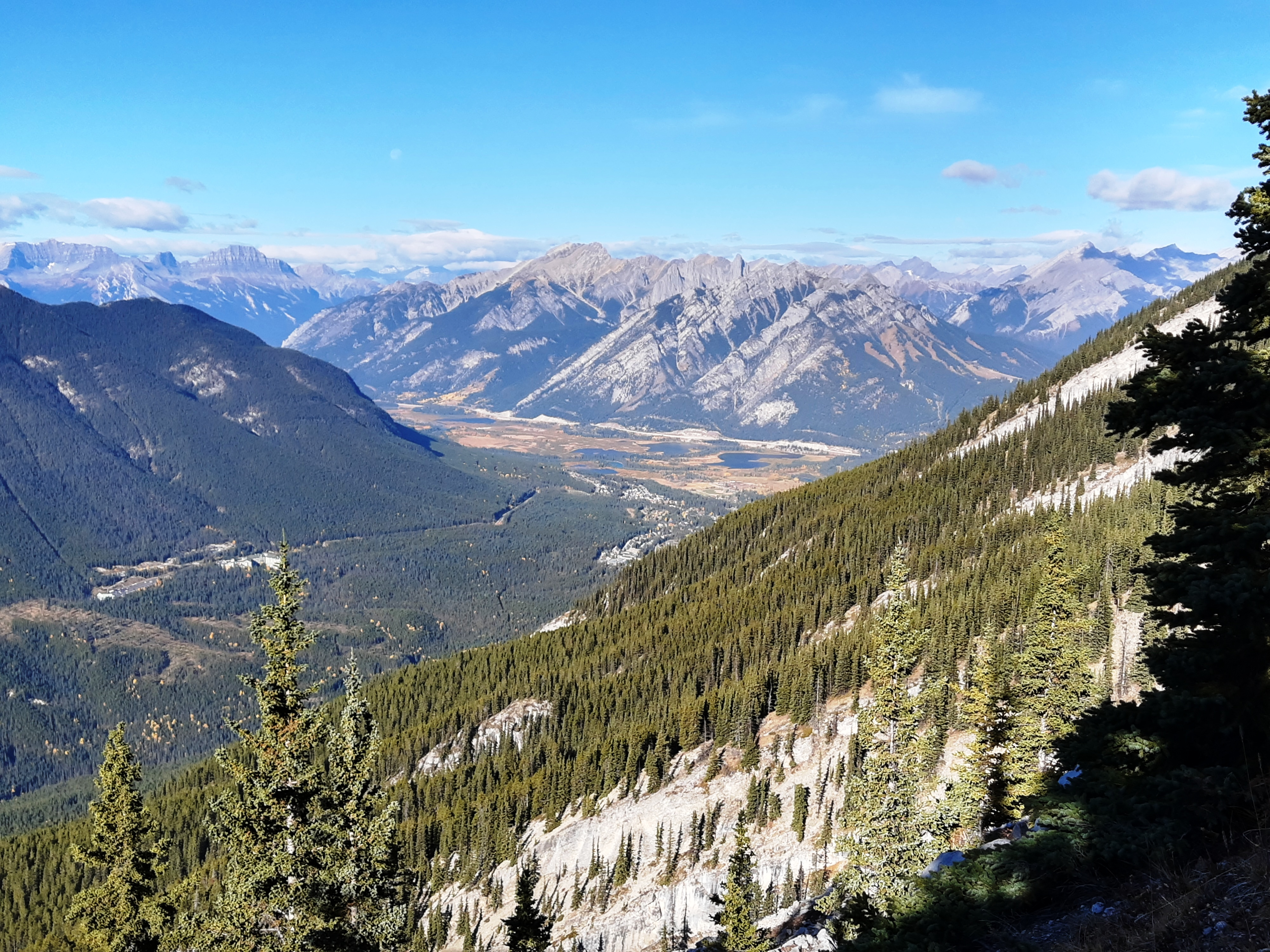 4-View-into-banff