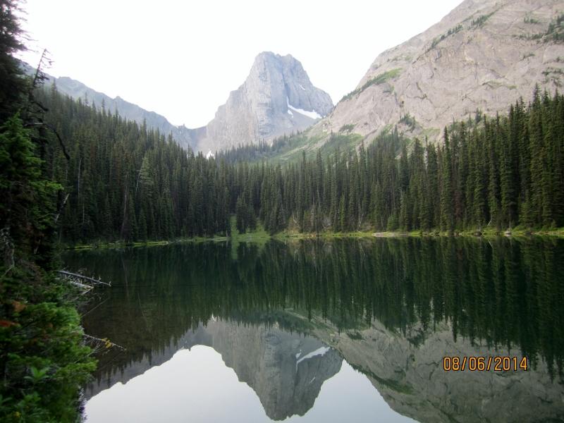 Commonwealth Lk &  the peak background