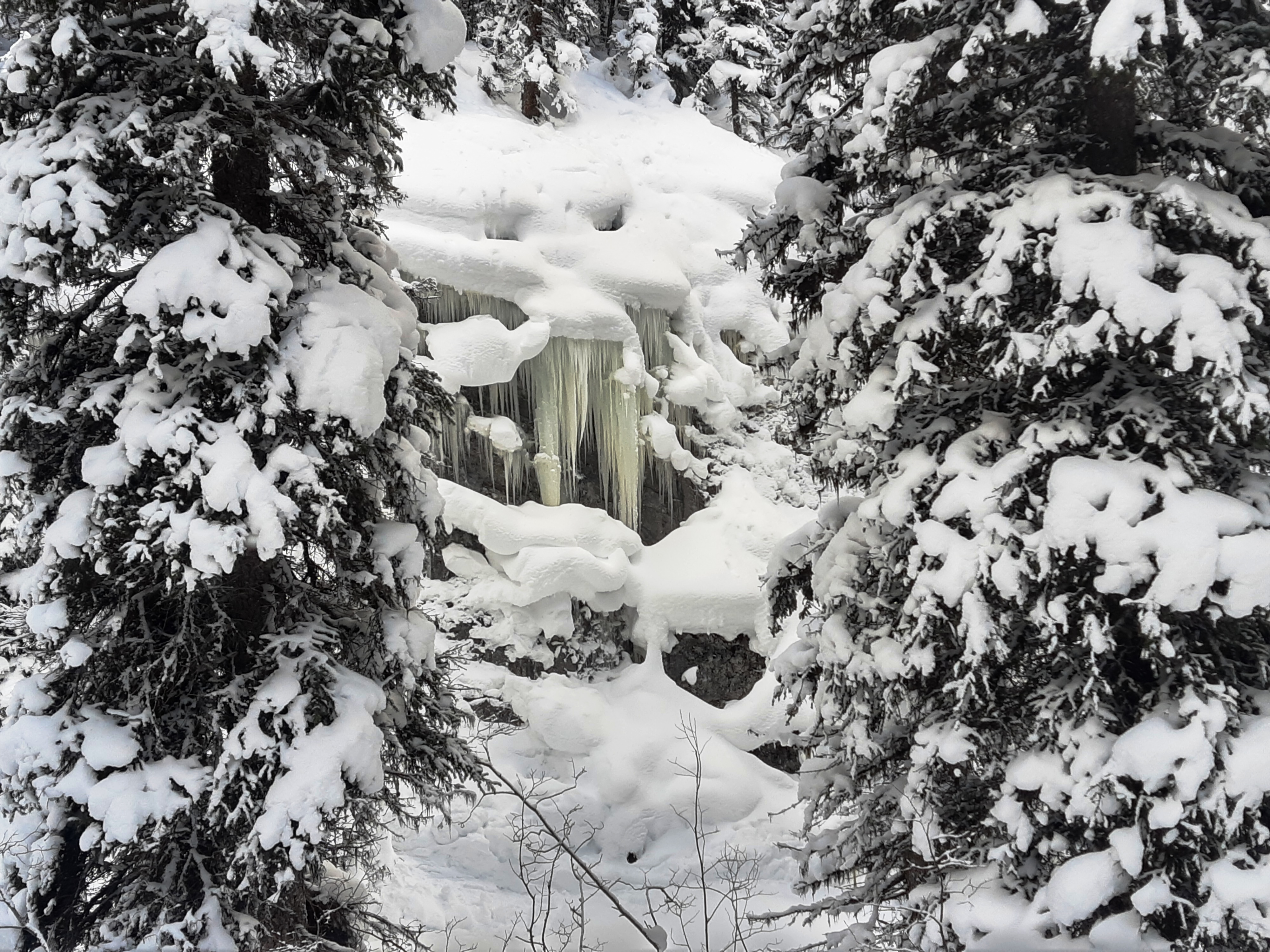 16Frozen-Falls-Smut-Creek