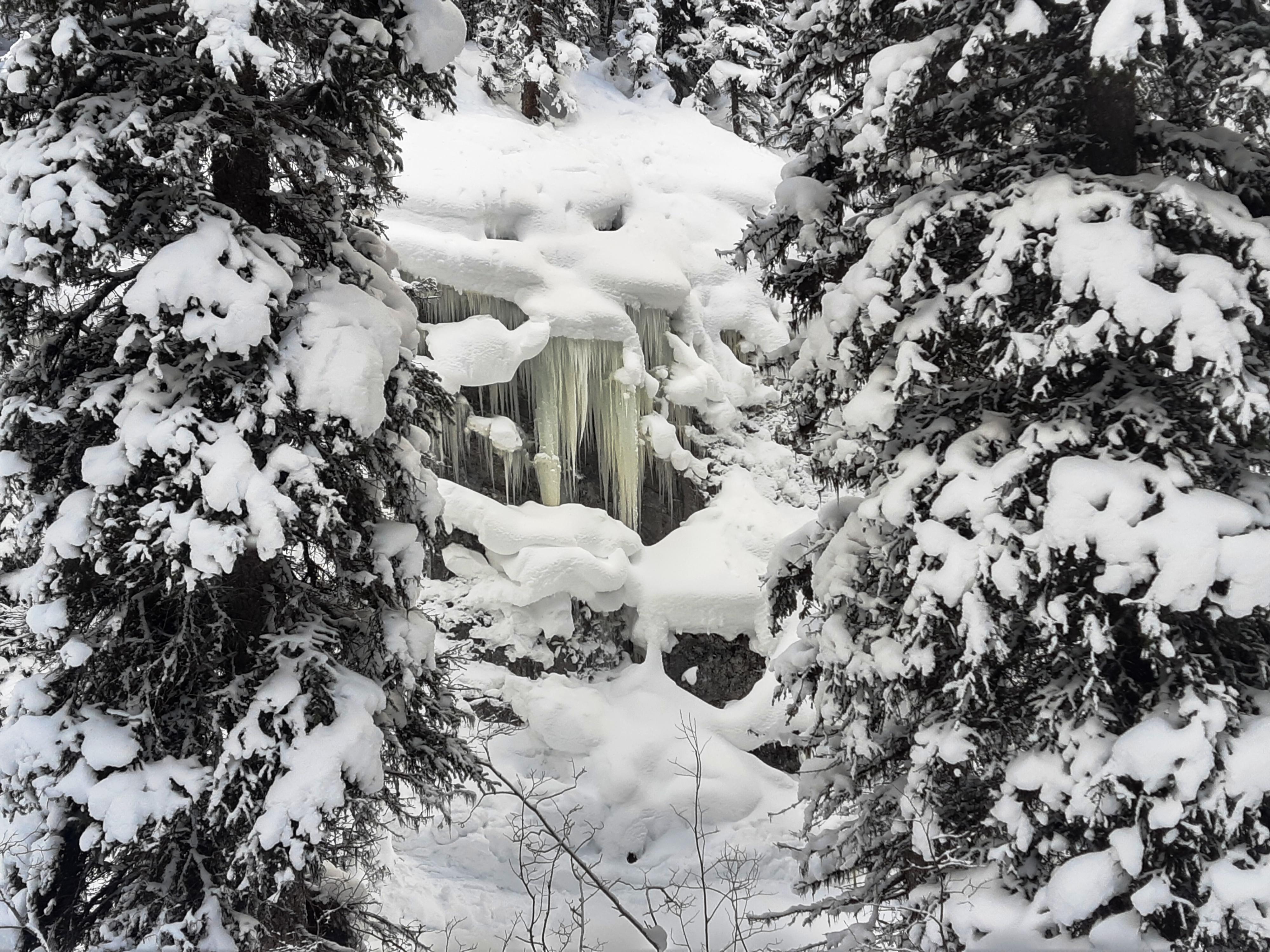 16Frozen-Falls-Smut-Creek