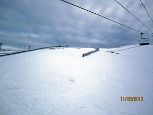 Skiing above South Pocket ski run - Sunshine Village