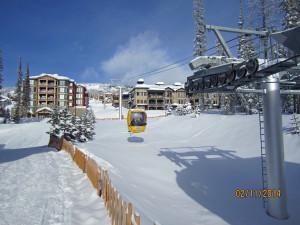 Happy valley Gondola to Village .Big White