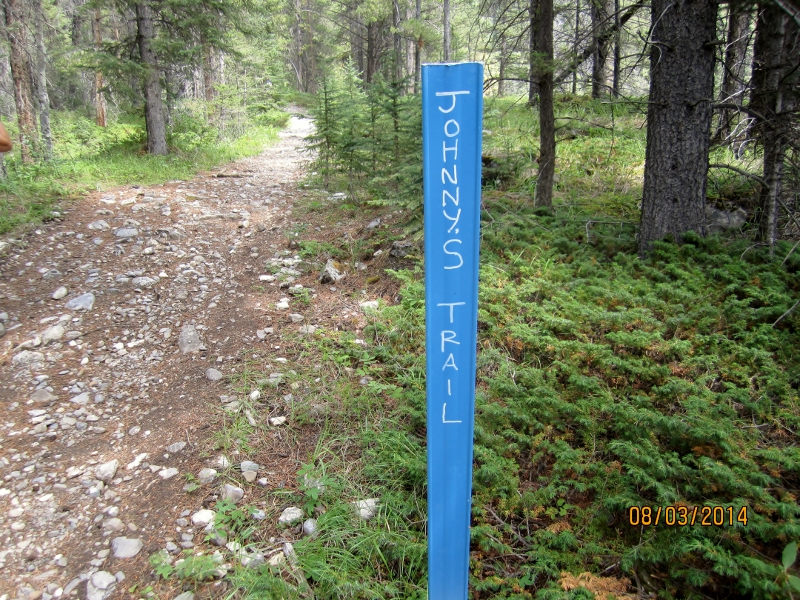 Jonhnny's Trail runs up from Hwy 1