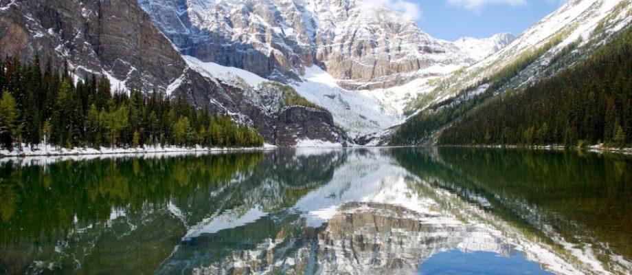 Panorama Ridge from Taylor Lake